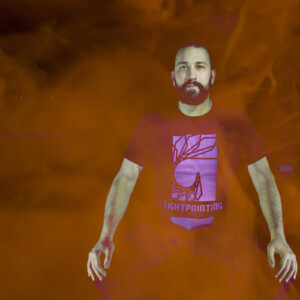 Ambassador-Luis-Medina-Camiseta-Light-Painting-Paradise